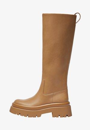 MIT PROFILSOHLE - Vysoká obuv - brown