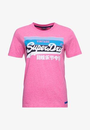 CALI - Print T-shirt - fluro pink pastel