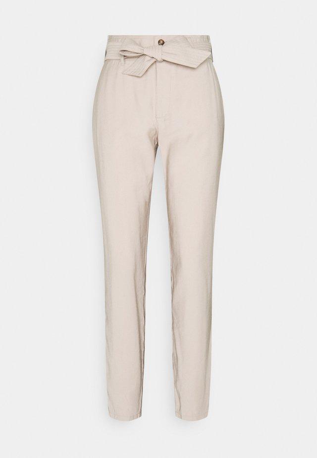 JDYAYA PANT  - Spodnie materiałowe - chateau gray