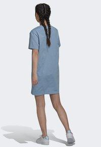 adidas Originals - ORIGINALS TREFOIL MOMENTS DRESS LOOSE - Jersey dress - blue - 2
