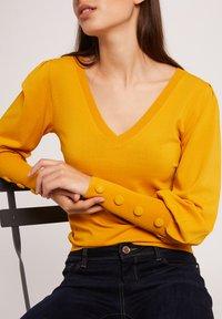 Morgan - Sweatshirt - ochre - 3