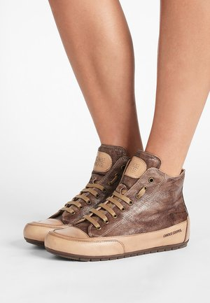 PLUS 04 - Sneakers high - cardiff legno/base tamp tortora