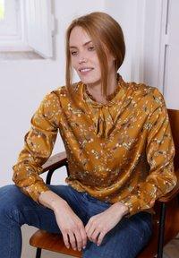 Laura Kent - Blouse - haselnuss - 1