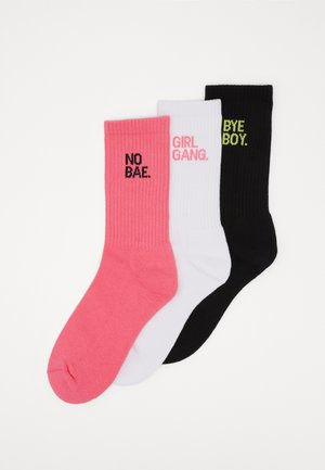GIRL GANG SOCKS 3 PACK - Socks - pink/white/black