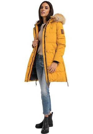 HALINA - Winterjas - yellow