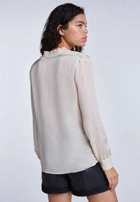 SET - FEMININE - Button-down blouse - whitecap gray - 2