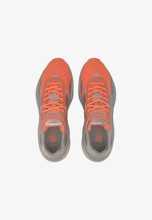 Trainers - nrgy peach-puma silver