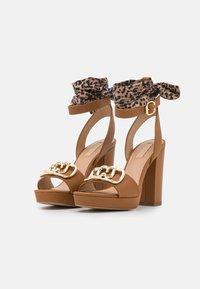 Liu Jo Jeans - HEBE  - Platform sandals - tan - 2