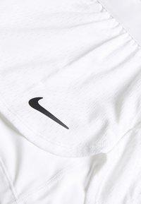 Nike Performance - SHORT 2-IN-1 - Korte broeken - white/black - 2