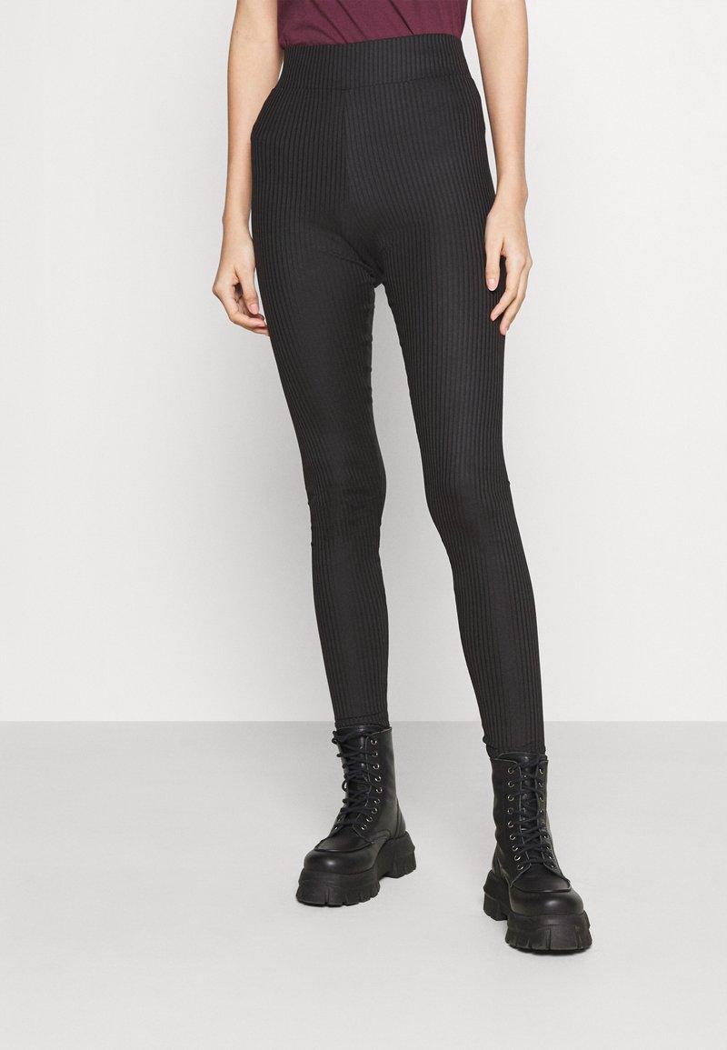 Pieces - PCHAKA  - Leggings - Trousers - black