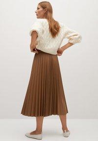 Mango - ONA - A-line skirt - středně hnědá - 1
