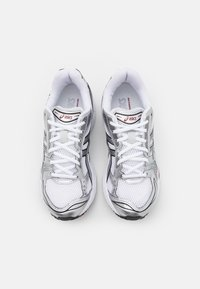 ASICS SportStyle - GEL-KAYANO 14 UNISEX - Sneakers basse - white/pure silver - 3