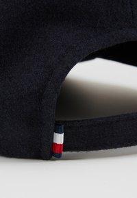 Tommy Hilfiger - OUTDOORS PATCH CAP - Kšiltovka - blue - 4