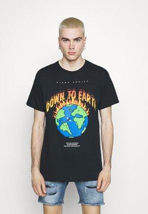 EARTH - Print T-shirt - black
