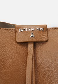 Patrizia Pepe - BORSA BAG SET - Handbag - cognac - 5