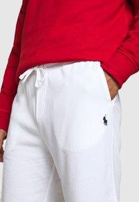 Polo Ralph Lauren - TERRY - Pantalon de survêtement - white - 5