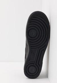 Nike Sportswear - AIR FORCE 1 07 3 - Matalavartiset tennarit - black/anthracite - 4