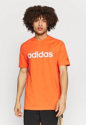 Camiseta estampada - true orange