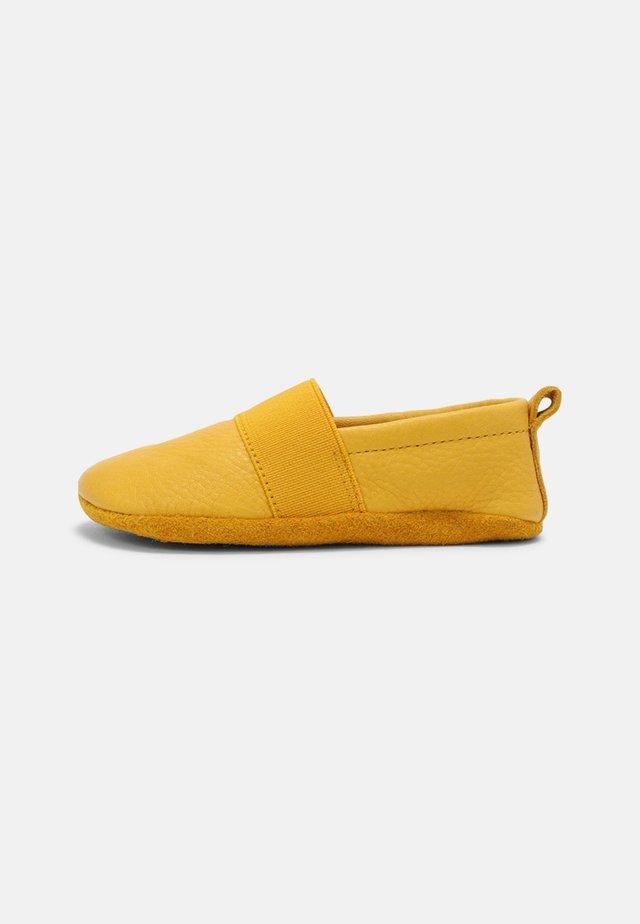 BAREFOOT ELASTICO INDOOR UNISEX - Pantoffels - gelb