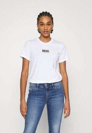 T-SILY-SMALLLOGO - Print T-shirt - white