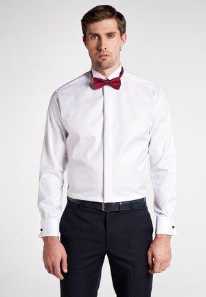 MODERN FIT - Zakelijk overhemd - white