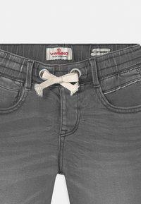 Vingino - CECARIO - Denim shorts - dark grey vintage - 2