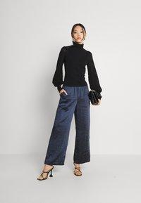 Fashion Union - HARDY - Stickad tröja - black - 1