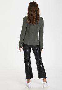 Soaked in Luxury - Sweter - brushed nickel - 2
