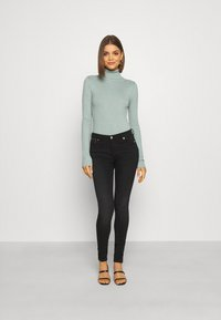 Even&Odd - BASIC- RIBBED TURTLE NECK - Jumper - light green - 1