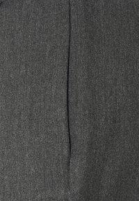 Vero Moda - VMMIYA LOOSE TIE PANT - Tygbyxor - medium grey melange - 5