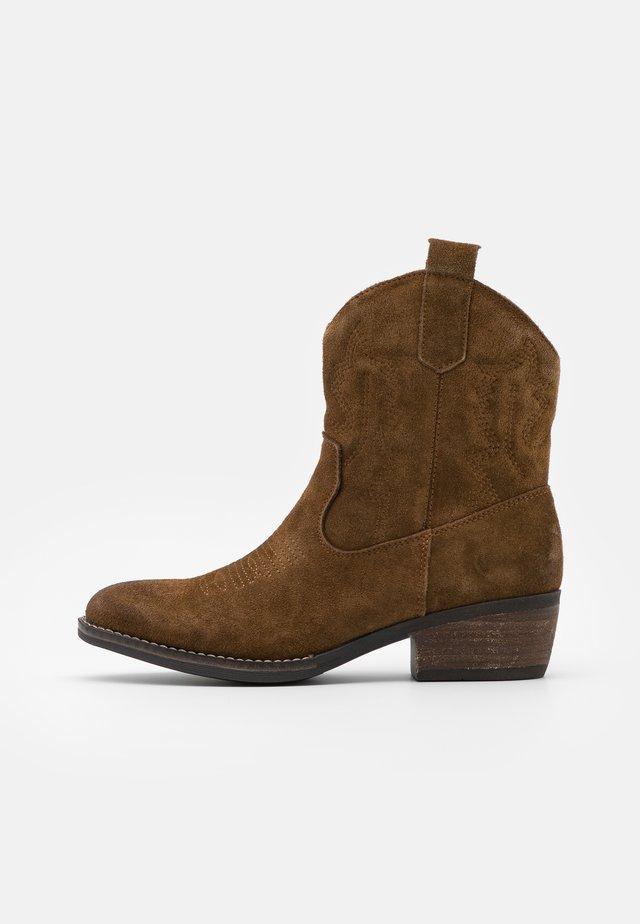 JULES - Cowboy/biker ankle boot - brown