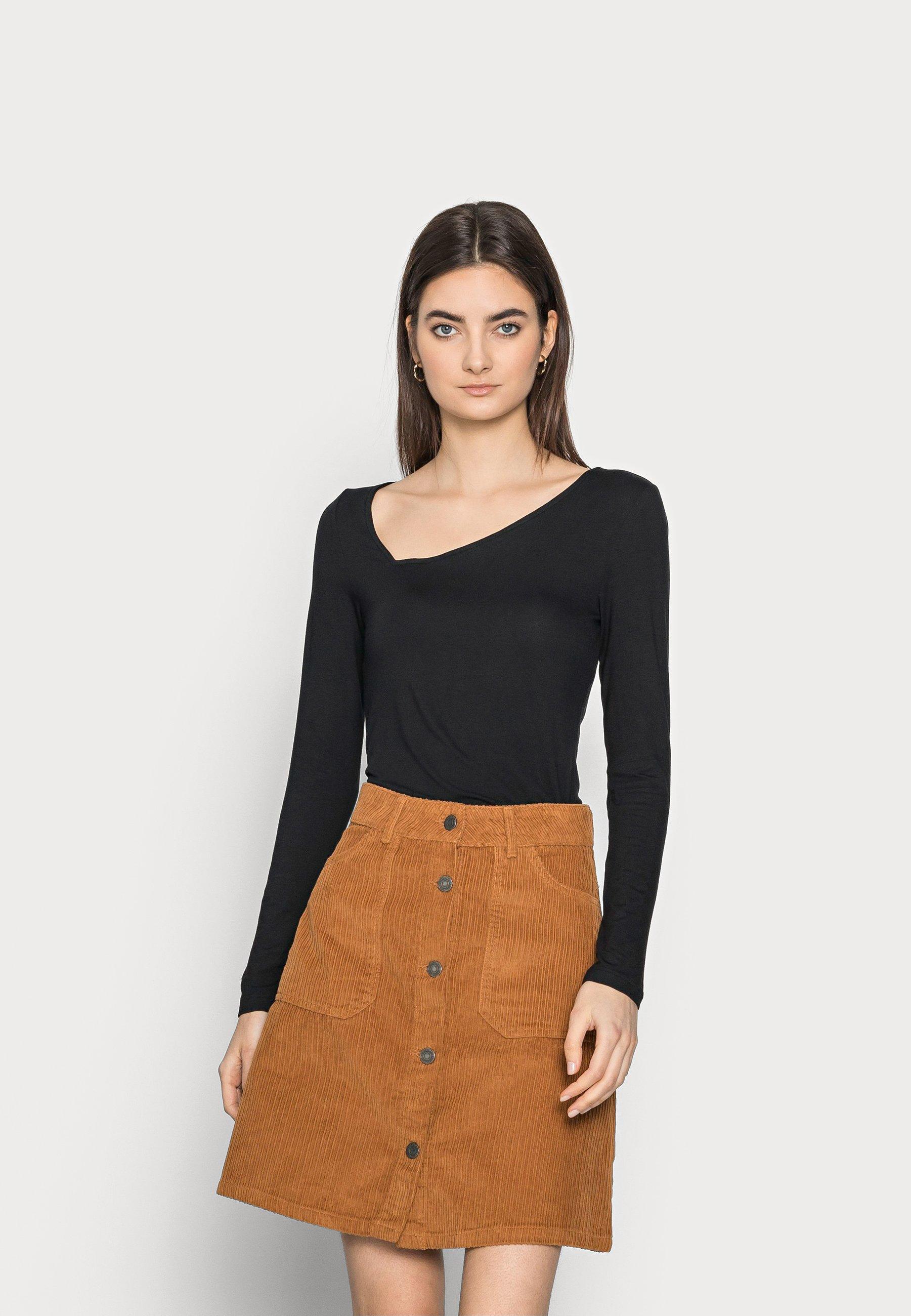 Women ASYMMETRIC NECKLINE - Long sleeved top