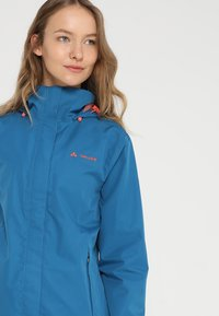 Vaude - WOMANS ESCAPE LIGHT JACKET - Waterproof jacket - kingfisher - 4