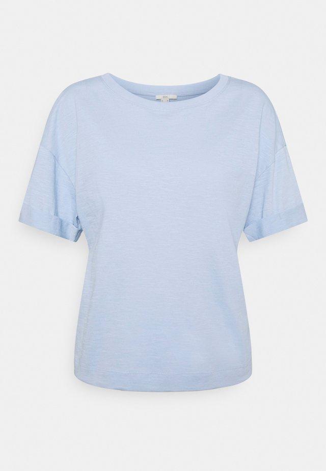 ICONIC - Basic T-shirt - light blue