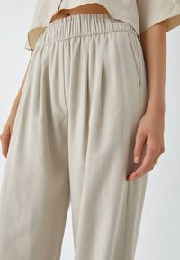 PULL&BEAR - Trousers - sand - 3