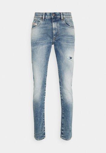 STRUKT - Slim fit -farkut - medium blue