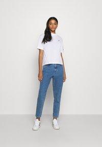 Champion Reverse Weave - Print T-shirt - white - 1