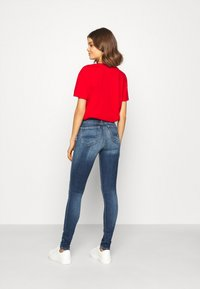 Tommy Jeans - NORA - Jeans Skinny Fit - mid blue - 2