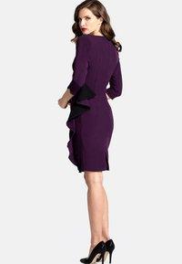 HotSquash - CONTRAST SIDE FRILL - Shift dress - dark purple - 1