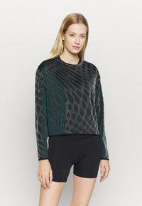 Nike Performance - RUN DIVISION HOLOKNIT  - Sports shirt - black/green abyss - 0