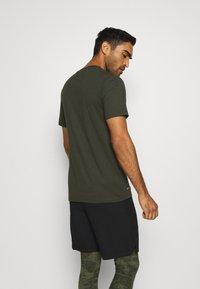Nike Performance - DRY TEE CREW SOLID - Basic T-shirt - sequoia/black - 2