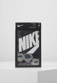 Nike Sportswear - FUTURA LOGO HAT BOOTIE BABY SET - Body - black - 2