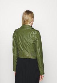 Oakwood - YOKO - Kožená bunda - green - 2