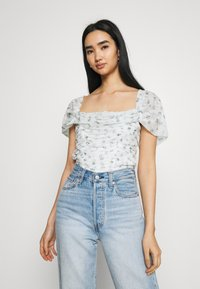 Missguided - RUCHED BARDOT CROP - Print T-shirt - white - 3