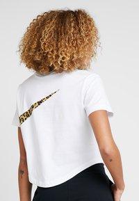 Nike Sportswear - T-Shirt print - white - 2