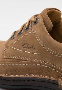 Clarks - NATURE THREE - Casual lace-ups - dark sand - 5