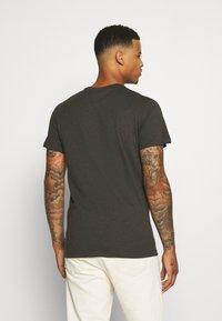 G-Star - BASE-S R T S\S - T-shirt basic - asfalt htr - 2