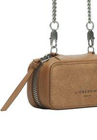 Liebeskind Berlin - Across body bag - caramel (brown) - 5
