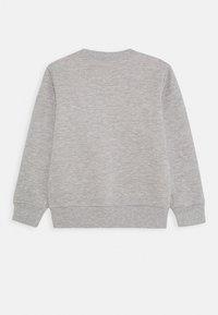 Levi's® - MARIO COIN CREWNECK - Sweater - grey heather - 1