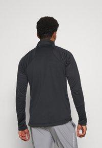 Umbro - MID LAYER - Sweatshirt - black - 2